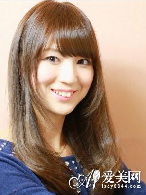 斜刘海直发发型 修颜更显淑女气质图片