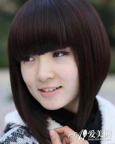 小脸女生蘑菇头发型 可爱不失甜美