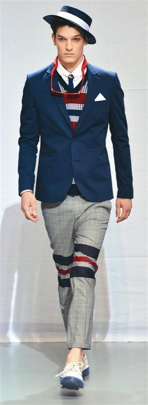 morello格仔裤搭配蓝色西装