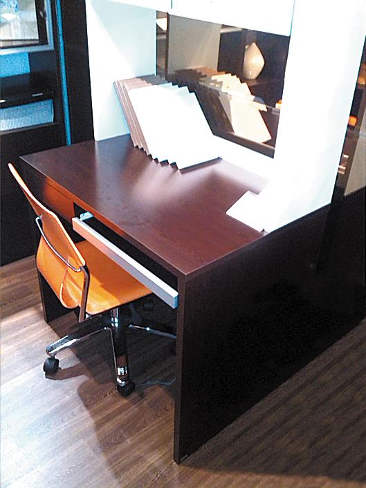 木电脑桌组装步骤图解说明书