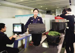 天津机场安检员:春运期间15:00吃午饭是常事|飞