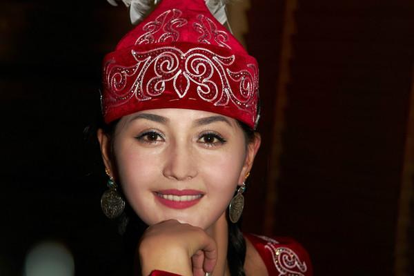 新疆女人��i&�f�x�_哈萨克女人像--新疆小妖精--凤凰网博客