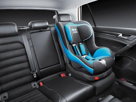 安装了g1儿童安全座椅,可保护儿童安全出行.  李骏驰 摄