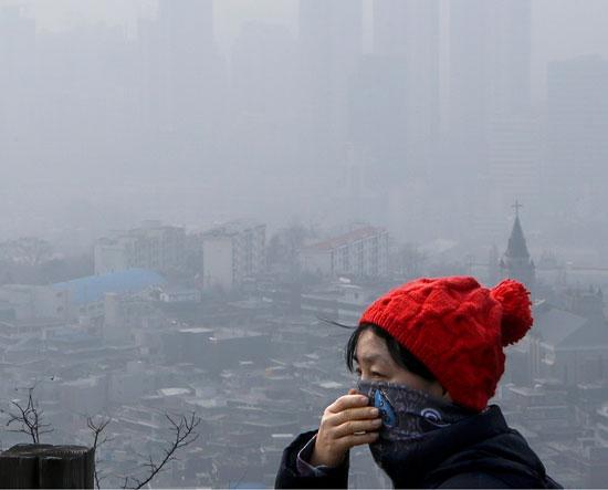 韩国严重雾霾将持续至26日(韩国网络截图)