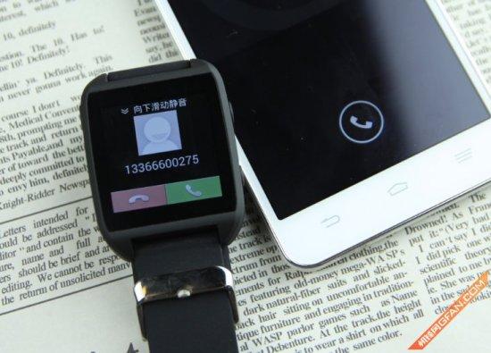 当手机上有电话拨入,智器z watch会进行来电提醒
