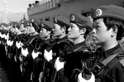驻藏武警部队举行维稳誓师动员大会剪影图片