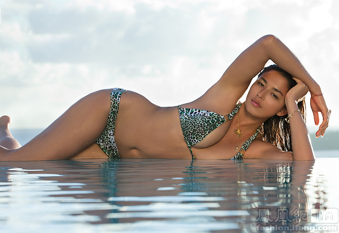 澳大利亚名模全新超性感大片 海滩大秀丰满身材