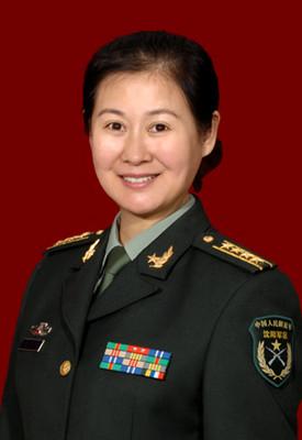 黄晓娟升任文工团团长。