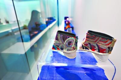 韩国博物馆周日开两展鞋履情趣各异(图)武汉怎么样情趣用品图片