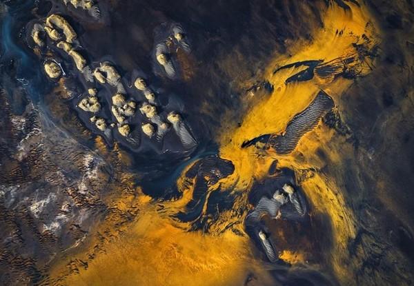 """到""""外星球""""!冰岛冰川魔幻奇景"""
