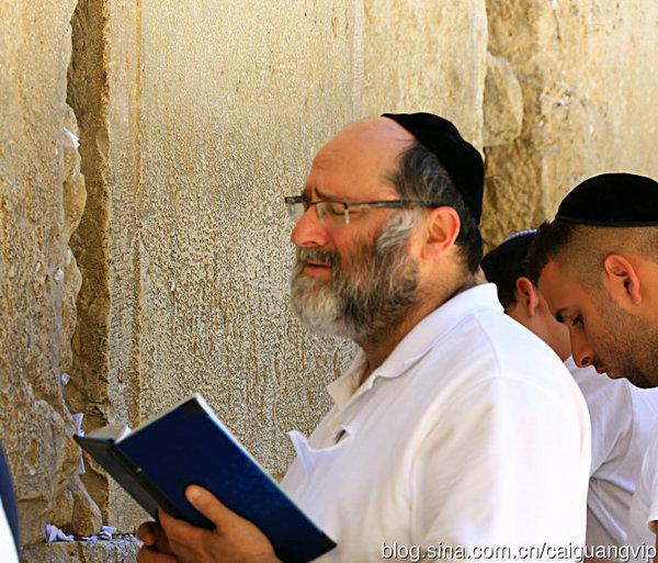 【转载】耶路撒冷实拍:哭墙前虔诚祈祷的人们! - 水上人家 - 水上人家