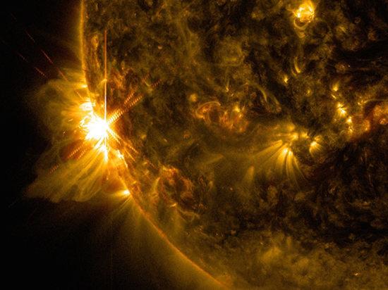 6月10日NASA科学家观察到了第一次太阳X级耀斑,图为X2.2级强度耀斑。(图片来源:中国新闻网)