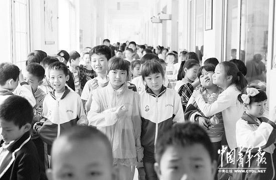 燕郊小学教育现状 有学校不允许学生课间下楼活动