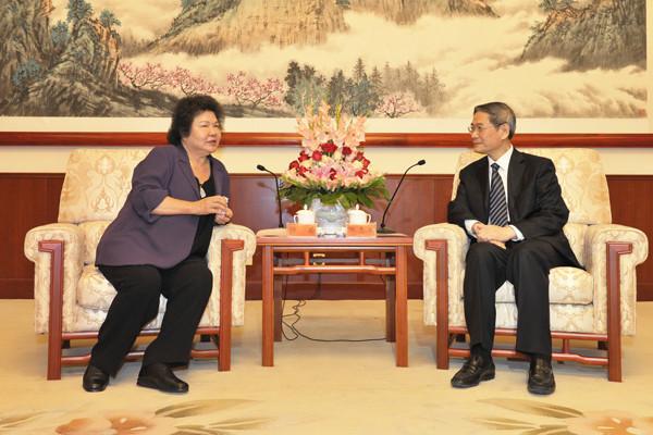 资料图:国台办主任张志军曾在2013年在天津会见到访的高雄市长陈菊。