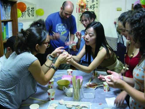 全球汉语时代,国人争考对外汉语教师资格证|