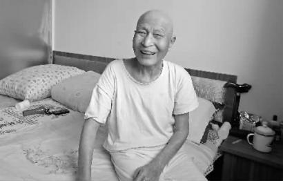 李占忠把房出租,住進三千元一個月的養老院 本組圖片 本報記者 惠禾 攝