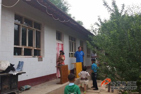 高常忠马桂花夫妇家里比较新的房子,都是当初一起买来的。