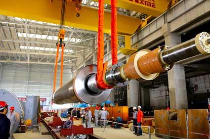 平圩电厂三期工程#5机组发电机转子安装(图)