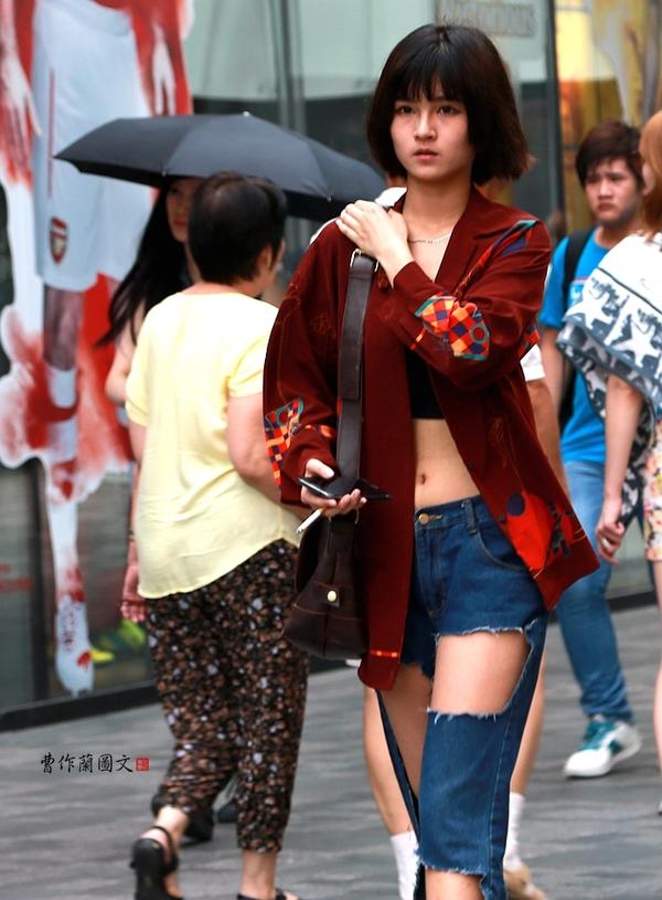 街拍:30位大尺幅露脐蛮腰美女 - 闲云野鹤 - 闲云野鹤的博客