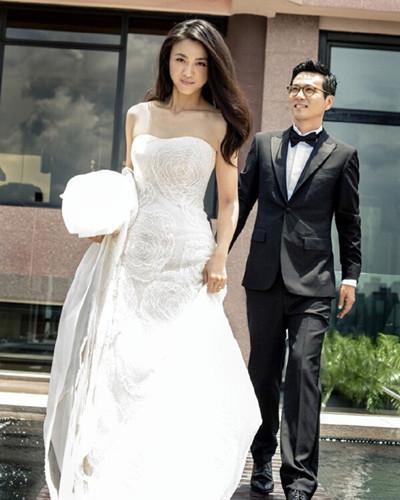 汤唯婚纱照曝光 简约发型衬托满脸幸福