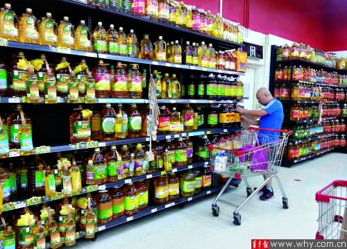 目前沪上超市的食用油主打仍然是国内品牌。