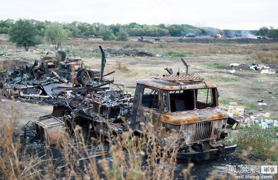 乌克兰停火后仍有零星战斗:乌军车队被炮击摧毁 - 人在上海    - 中国新闻画报