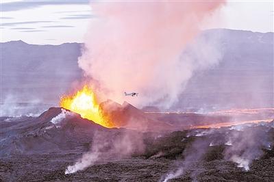 冰岛:火山熔岩喷发