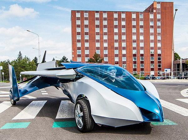 飞行汽车有望10月上市 插翅 后可连续飞行700公里图片