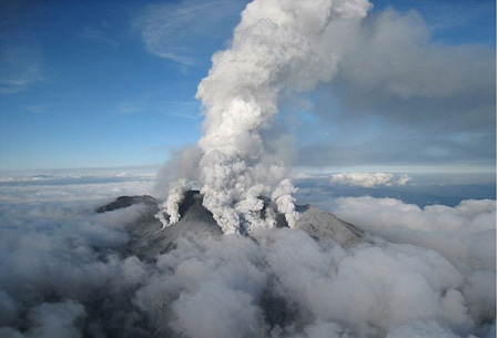 火山喷发100多年没熄灭