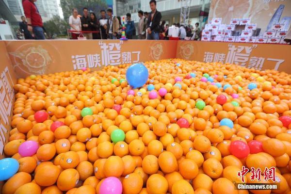 南京街头万只橙子寻找有缘人