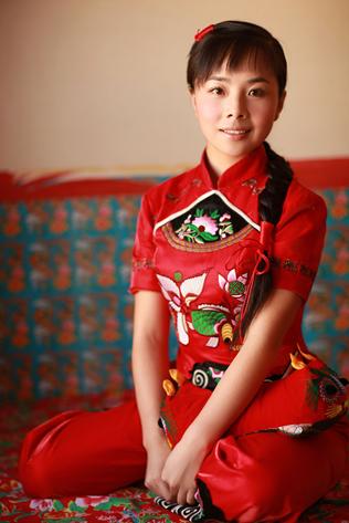 王二妮携手管乐交响乐团 唱响专辑新歌