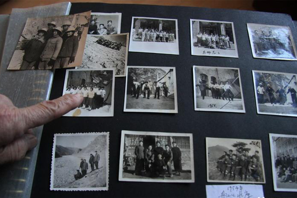 肖庆辉当年在丹江口工作时候的老照片。史晟全/图