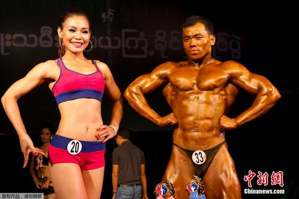 肌肉男和美女同场秀身材|仰光|缅甸