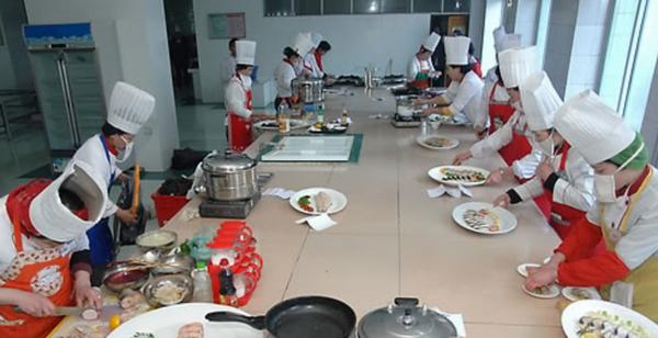 平壤举办全国料理大赛庆祝金正日诞辰(组图)