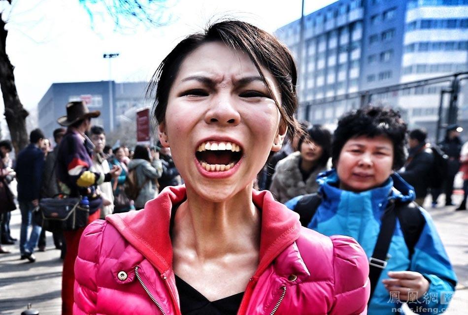 2013年,北京电影学院复试放榜,淘汰率逼近75%.放榜现场,一位表图片