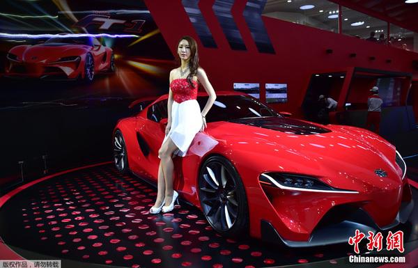 韩国车模美女车展