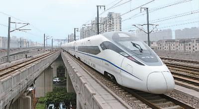 新型动车组在沪宁高铁运行