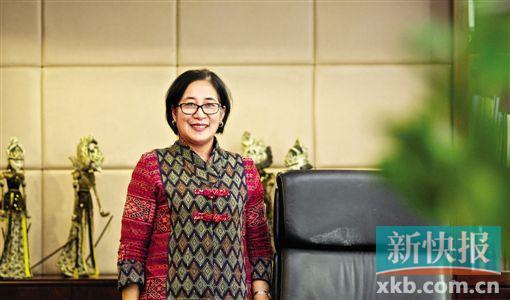 """琇翡    Ratu Silvy Gayatri    印尼驻广州总领事馆首任""""女当家"""",去年12月履新,通过《Hi广州》开设专栏,她希望让更多人了解与广州只有五个小时航程的印尼。"""