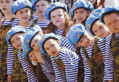 俄罗斯的儿童阅兵式