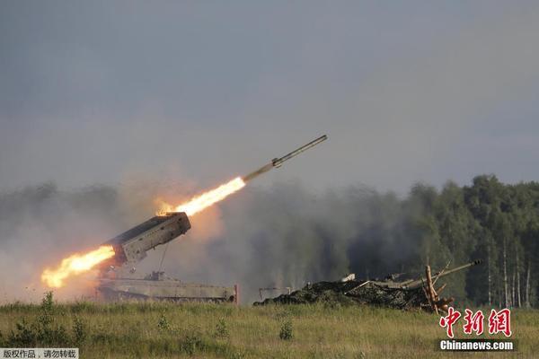 俄国际军事论坛举行 大批先进武器亮相