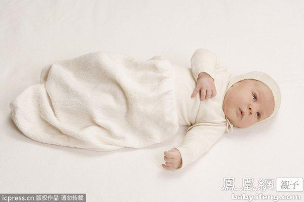 新生儿一天大便几次正常图片