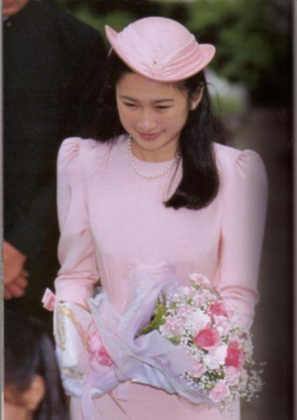 结婚当日,纪子妃出发时的情景