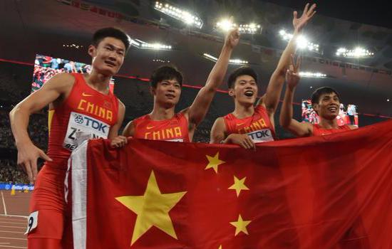 中国队2破亚洲纪录 男子4×100米接力摘银创
