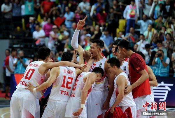 亚锦赛中国男篮8连胜进决赛 中国队 伊朗队