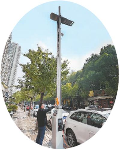 智能路灯杆亮相上海