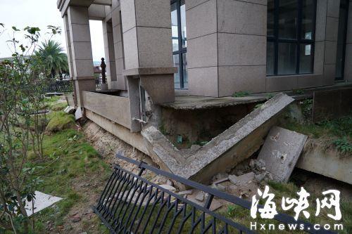 福州一别墅私挖400平米地下室致邻居千万豪宅横梁歪