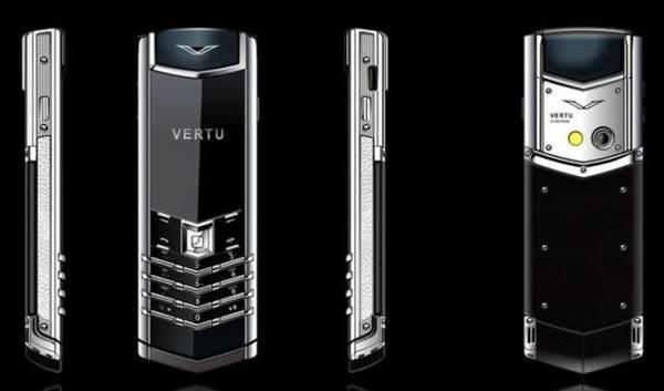 Vertu在诺基亚时期,使用的还是塞班系统,被卖给殷拓后才改用安卓系统。