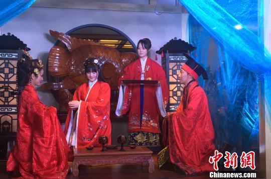 兰州上演汉文化生活情景剧 吁民众重拾传统礼仪(图)