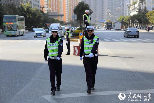 昆明女子交警:北京路高清岗的五朵金花【美女掉美女图片牙图片