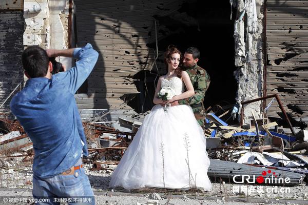 背景拍摄婚纱照